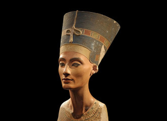 Picture of Nefertiti at the Neues Museum Berlin